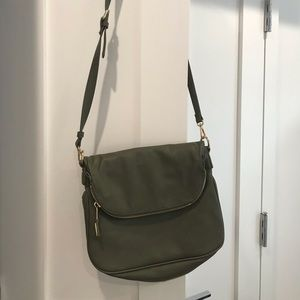 Green crossbody bag